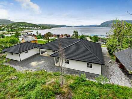 Brandneues Einfamilienhaus mit vier Schlafzimmern, fantastische Lage in Norwegen.