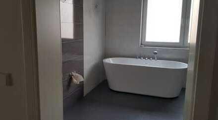 Erstbezug mit EBK und Balkon: günstige, geräumige 4-Zimmer-Wohnung in Massenbachhausen