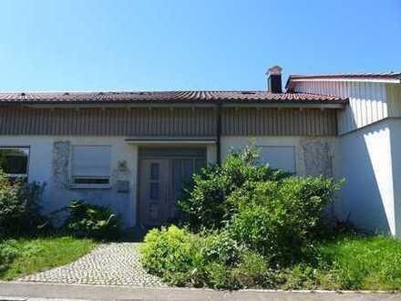 Natur pur: Großzügig geschnittene Maisonette-Wohnung mit Balkon und Garage in bevorzugter Wohnlage