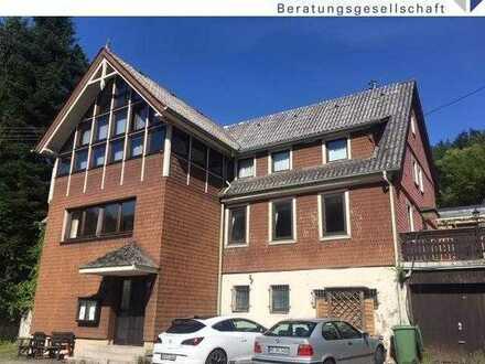 Heiligkreuzsteinach-OT: Ehemaliges Gastronomieobjekt mit Fremdenzimmern und einer Wohnung