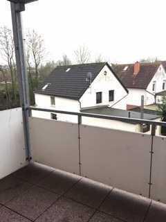 Lichtdurchflutete 3 Zimmerwohnung mit Balkon