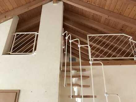 Gepflegte 3,5-Zimmer-Maisonette-Wohnung mit Balkon und EBK in Bruchsal