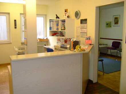 Praxis oder Büroräume im Zentrum Steinenbronns, Landkreis Böblingen
