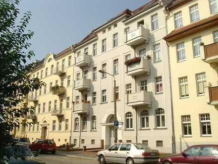 Traumhafte 3 Raumwohnung im Dachgeschoss mit Balkon und Einbauküche