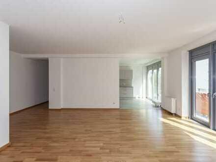 ab sofort: 3 Zimmer | Einbauküche | Bad mit Wanne & Duschfunktion | Parkett | Balkon