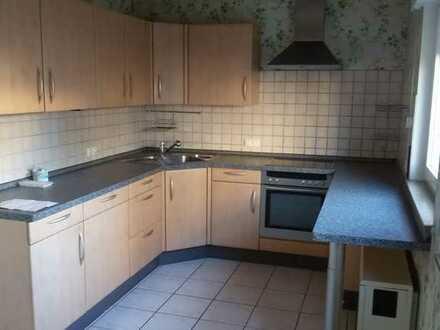 Sanierte 1-Zimmer-EG-Wohnung mit Terrasse und Einbauküche in Denkendorf