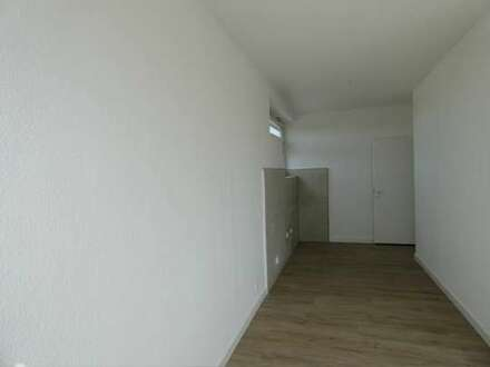 Renovierte Erdgeschosswohnung mit großzügiger Loggia