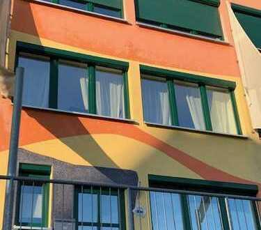 Halle-Giebichenstein: Haus mit Garten, Dachterrasse, Garage und Wintergarten oberhalb der Saale