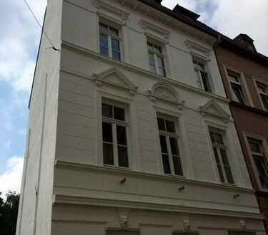 Stylische Altbauwohnung mitten in Krefeld