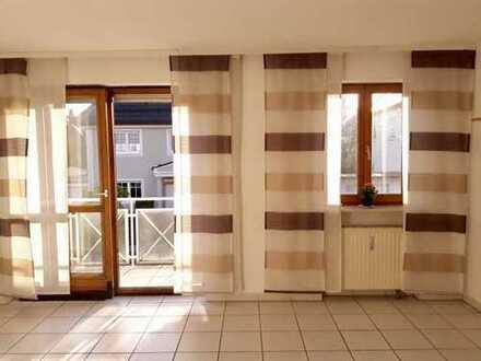 Schöne, geräumige zwei Zimmer Wohnung in München, Hadern