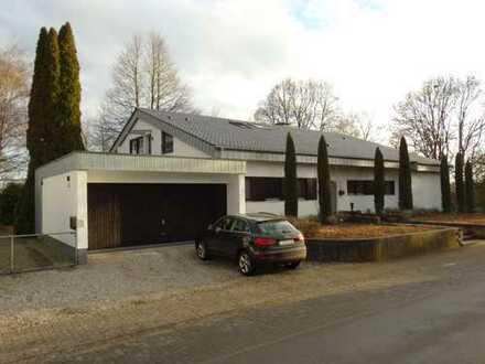 Außergewöhnliche, großzügige, helle Studiowohnung in moderner Villa im Grünen