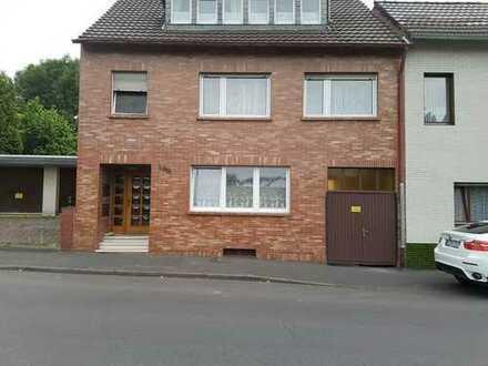 Erdgeschosswohnung mit Terrasse und Einbauküche
