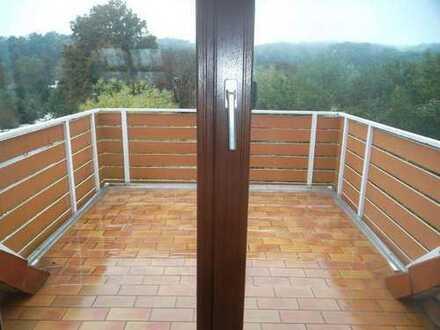 Singlewohnung im DG mit großem Balkon