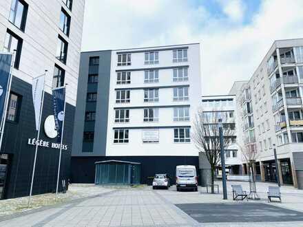 Blick auf den Neumarkt: hochwertig renovierte Stadtwohnungen mit Lift und Tiefgarage