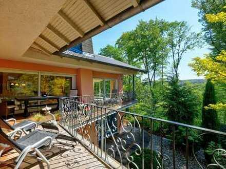 PURE - Villa mit Weitblick in erster Hanglinie in bester Lage Odenthals