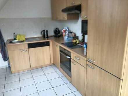 Preiswerte, sanierte 2-Zimmer-Maisonette-Wohnung mit Einbauküche in Suhl