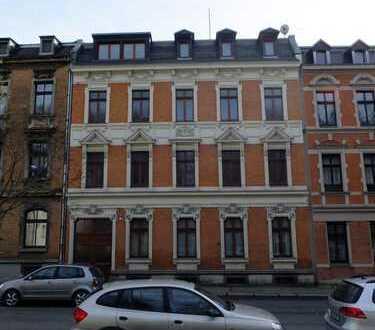 Wohn und Geschäftshaus (denkmalgeschützt) in Oelsnitz