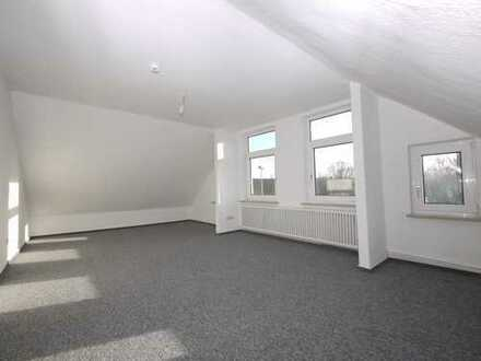 1 Zimmer DG Wohnung zentral gelegen