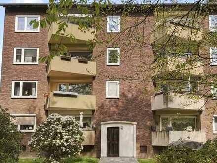Moderne, lichtdurchflutete 3 1/2 Zimmer-Wohnung mit Balkon und EBK