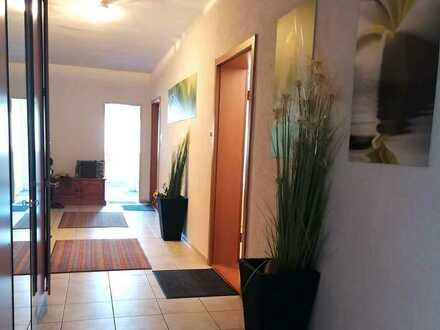 Helle Büro-/ Gewerberäume im Ortskern; 1. u. 2. OG