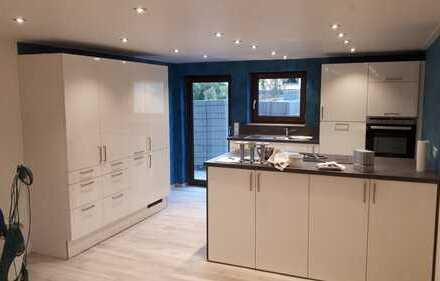 Erstbezug nach Sanierung mit Einbauküche und Balkon: attraktive 3-Zimmer-Wohnung in Bretzfeld