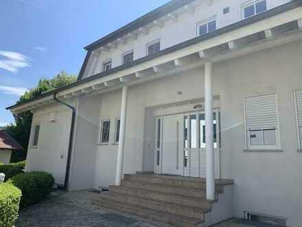 Gepflegtes 7-Zimmer-Haus/ Villa