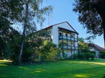 Attraktive 3-Zimmer-Wohnung am Hachinger Bach mit Blick ins Grüne
