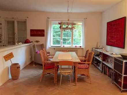 2.100 €, 150 m², 5 Zimmer