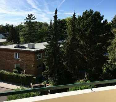 Schöne ruhig gelegene 3-Zimmer-Wohnung mit Balkon und Weitblick in Eschersheim