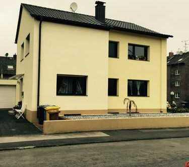 Freistehendes saniertes Zweifamilienhaus in Frechen Zentrum