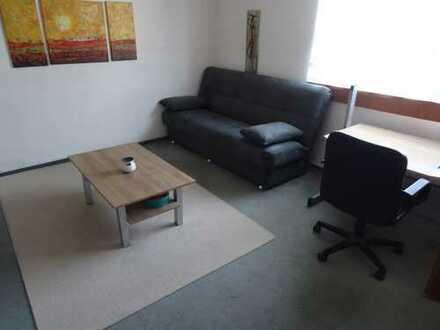 Voll-moblierte, geräumige und gepflegte 2-Zimmer-Wohnung mit Terrasse und EBK in Esslingen (Kreis)