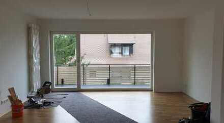 Schöne 3-Zimmer-Wohnung mit Balkon und Einbauküche in Nürnberg Neunhof