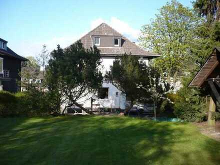 Erdgeschoß-Wohnung mit Wintergarten und Garten in der City