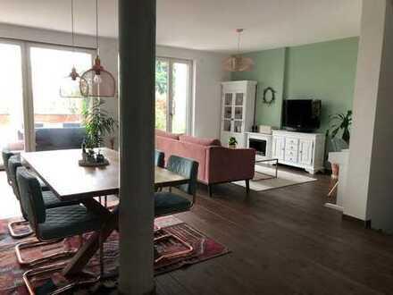 Exklusive & möbilierte 5-Zimmer-Maisonette-Wohnung (auf Zeit) + Terrasse, Garten & EBK in Weißensee