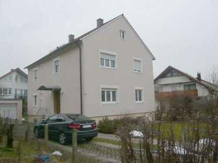 Schönes, geräumiges Haus mit vier Zimmern in Ludwigsburg (Kreis), Ludwigsburg