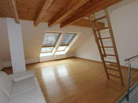 Schwabing TOP-Lage schöne, ruhige 2 Zimmer DG-WHg mit super EBK, Parkett, tolles Bad usw. FREI !!!