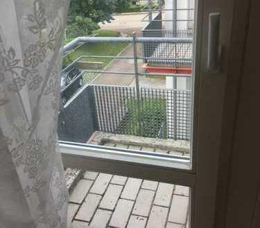 Attraktive 3-Zimmer-Wohnung mit Balkon und Einbauküche in Augsburg