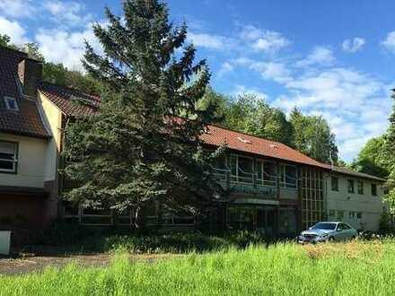 Viel Platz für Ideen! Wohnimmobilie mit Grundstück im ländlichen idyllischen Auen!
