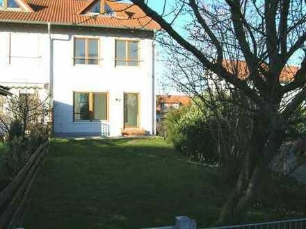 Reihenendhaus mit Garten in Ludwigshafen-Ruchheim