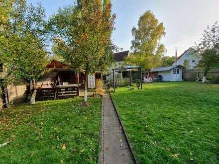 In ruhiger Wohnlage mit eigenem Garten**Wohnung über 2 Ebenen**sep. Eingang