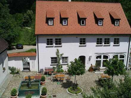Stilvolle, neuwertige 2-Zimmer-Wohnung mit Einbauküche in Schmidsfelden im Allgäu