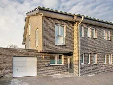 !! NEUBAU !! Großzügige Doppelhaushälfte in zentraler Lage von Borken