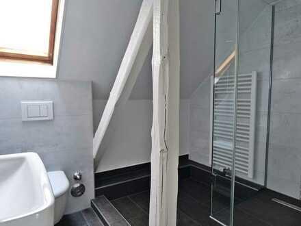 2-Zimmer Dachgeschosswohnung in Weidenpesch!