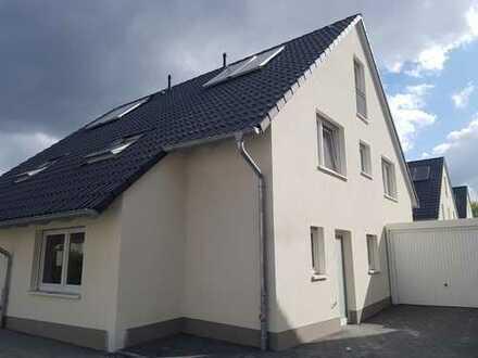 Neubau - barrierefreier Grundriss – schicke Doppelhaushälfte zur Miete in Bochum-Leithe!