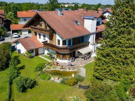 Doppelhaushälfte mit großem Garten in idyllischer Lage