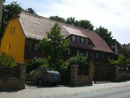 Topgepflegtes Fachwerkhaus in ruhiger und sonniger Lage mit Garten und Stellplätzen im Grundstück