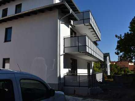 Großzügige 3 Zimmer Dachgeschosswohnung in modernem Neubau mit Balkon, Erstbezug