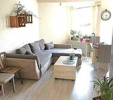 **2erWG-GEEINGNET-Wohnung mit Laminat, Wohnküche, tageslicht Wannenbad & Balkon***
