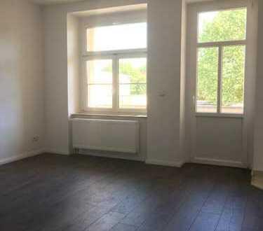*WG geeignet!!!* 4-Zimmer-Wohnung mit Balkon und Laminat in Leipzig-Schönefeld sucht Nachmieter
