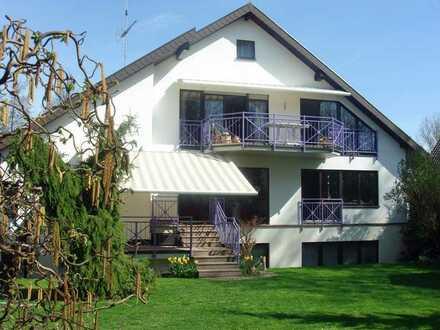 Helle großzügige Maisonette Wohnung mit schönem Ausblick